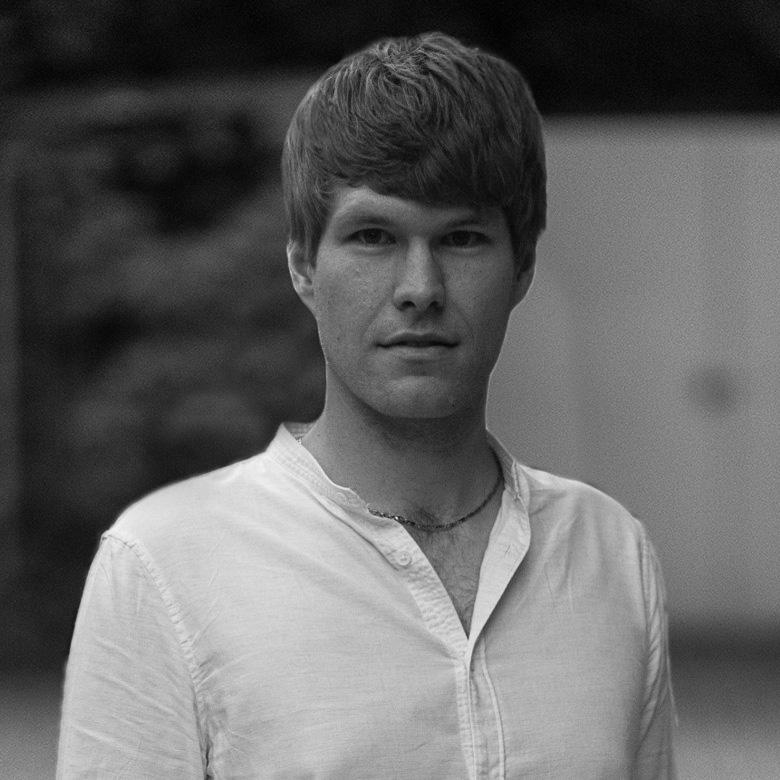 Andreas-Begert-Portrait_Sehnsucht-nach-einer-unbekannten-Heimat