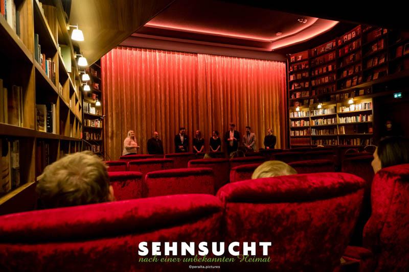 """""""Sehnsucht nach einer unbekannten Heimat"""" - Weltpremiere in der Astor Film Lounge im ARRI München - Das Filmgespräch im Club-Kino"""